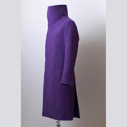 Winter coat made of Harris Tweed fabric with full canvas construction in South-Corean style. Harris Tweedből dél-koreai stílusban készült télikabát klasszikus kézműves kidolgozással