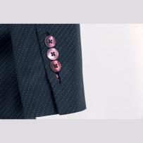Mother of pearl buttons in bound buttonhole Kagylógombok paszpolos hosszú gomblyukkal